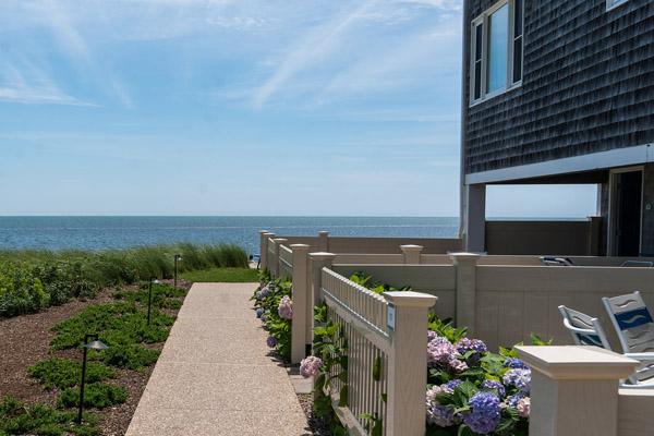 Boston North Shore real estate by the sea.