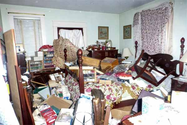 Boston North Shore home improvement ideas include de-cluttering the house in preparation for selling it.